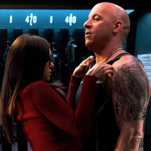 """""""xXx 3"""" tung trailer hành động """"điên rồ"""" của Vin Diesel cùng người đẹp"""
