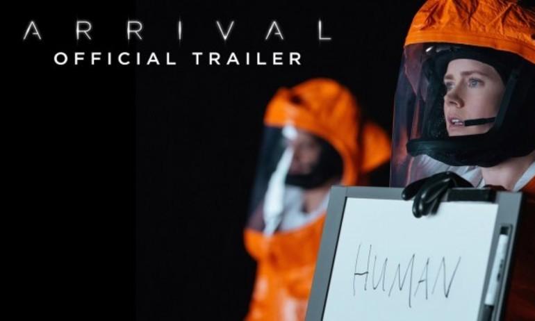 """Dân mạng bức xúc vì tấm poster ngớ ngẩn của """"Arrival"""""""
