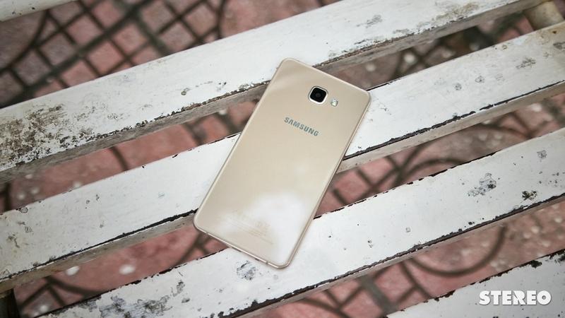 """Đánh giá Galaxy A9 Pro: Màn lớn, pin bền, trải nghiệm """"tàm tạm"""""""