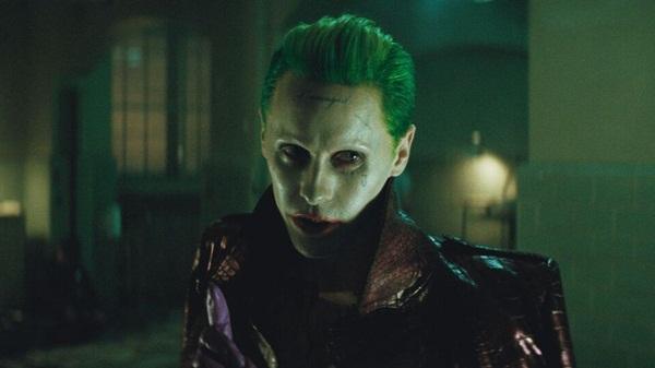 """Hé lộ loạt clip điên rồ của Joker trong """"Suicide Squad"""""""
