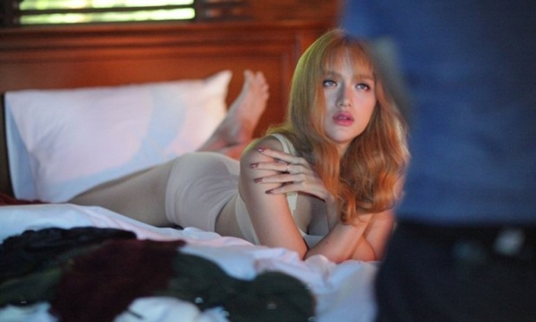 MV 18+ của Hương Giang gắp rắc rối vì quá nhiều cảnh nóng