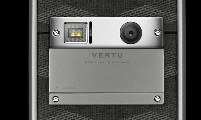 """Vertu cũng ra điện thoại """"giá rẻ"""", chỉ 93 triệu đồng"""