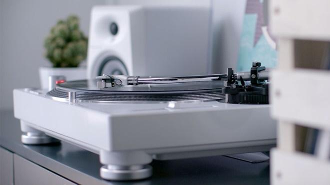 Pioneer ra mắt dòng mâm đĩa nhựa PLX-500: vừa DJ vừa nghe nhạc