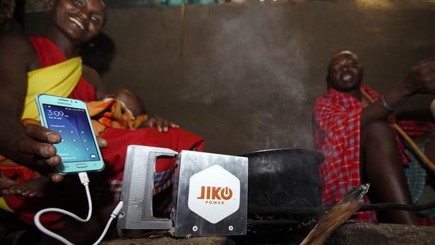 Đốt nóng Jiko Power là có thể sạc đầy smartphone