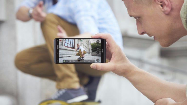 LG V20 chính thức ra mắt: Lấy tính năng bù cho thiết kế