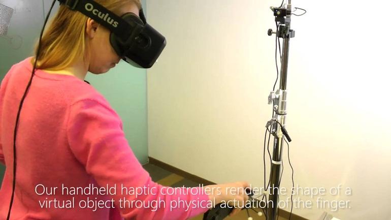 """""""Chạm"""" vào không gian ảo bằng công nghệ VR xúc giác"""