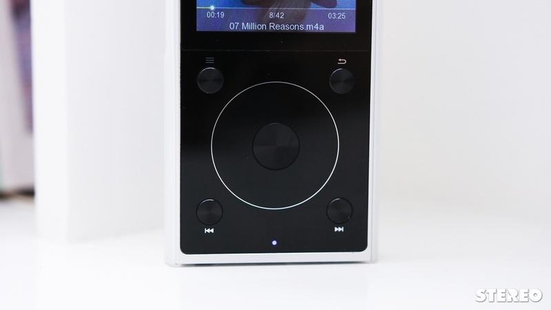Trên tay máy nghe nhạc Fiio X1 Gen 2: cải tiến từ trong ra ngoài