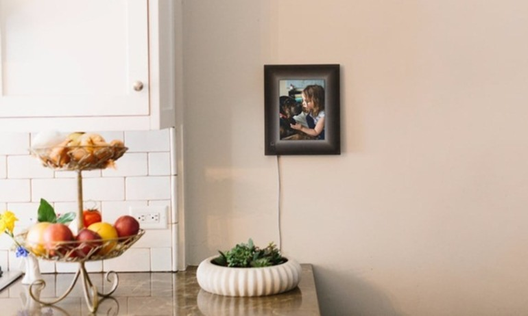 Ngôi nhà sống động nhờ khung ảnh thông minh Aura