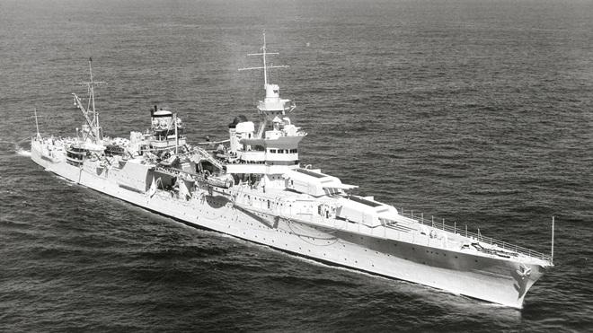 Sự thật kinh hoàng về chiến hạm mang bom nguyên tử USS Indianapolis