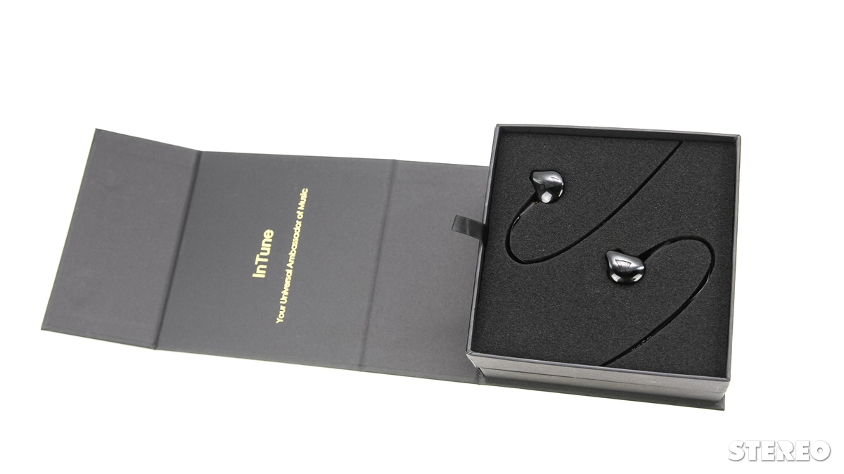 Trên tay iBasso IT03: tai nghe đầu tiên của hãng chuyên máy nghe nhạc