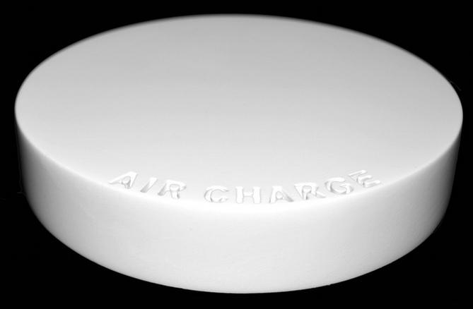 iPhone 7 vừa được sạc vừa bay lơ lửng nhờ Air Charge