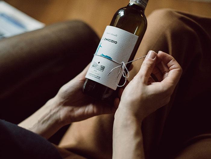 Librottiglia: Nhãn rượu độc đáo ẩn chứa cả một câu chuyện