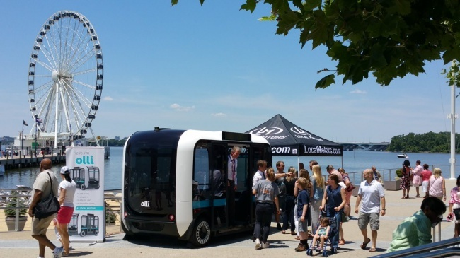 Chiêm ngưỡng xe buýt mini được sản xuất bằng công nghệ 3D đầu tiên