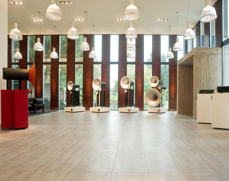 Chiêm ngưỡng showroom loa kèn của Avantgarde