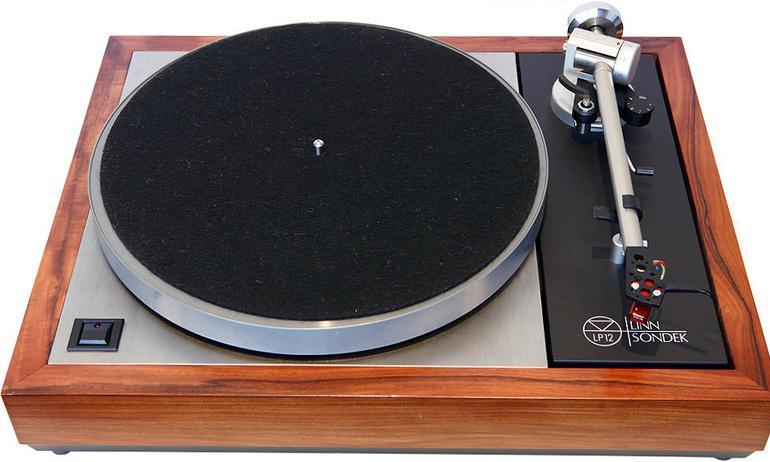 Video: mâm đĩa nhựa huyền thoại Linn Sondek LP12 được sản xuất như thế nào?