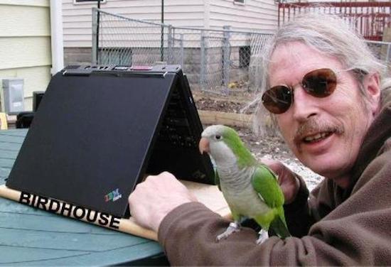 """Hóa ra laptop cũng lắm công dụng """"bá đạo"""" như thế này!"""