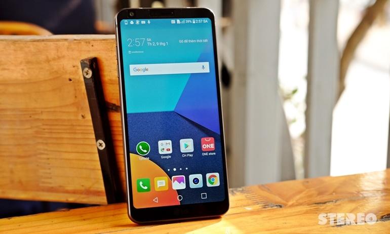 Trên tay LG G6 đầu tiên tại Việt Nam: gần 17 triệu đồng, nhỏ gọn và tinh xảo