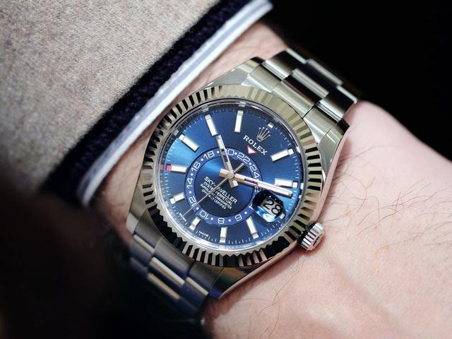 """8 đồng hồ """"đỉnh"""", giá bình dân tại triển lãm đồng hồ số 1 thế giới Baselworld"""
