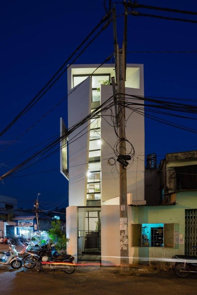 Báo Mỹ ca ngợi hết lời giải pháp cho ngôi nhà 27m2, 9 góc tù tại quận Gò Vấp