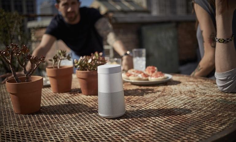 Bose cho ra đời hai loa bluetooth SoundLink Revolve với âm thanh 360 độ