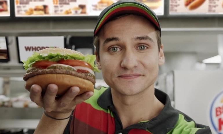 """Lợi dụng Google để quảng cáo miễn phí cho mình, Burger King dính đòn """"gậy ông đập lưng ông"""""""