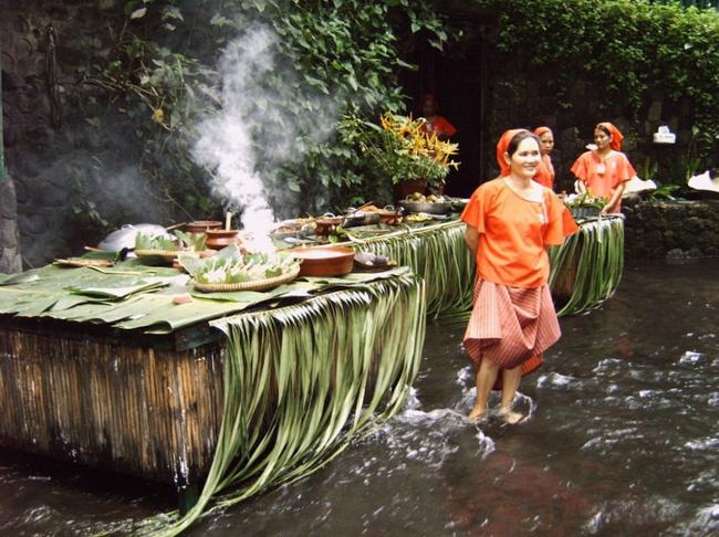 Đi Philippines là phải thử nhà hàng Thác Nước mát nhất hành tinh này!