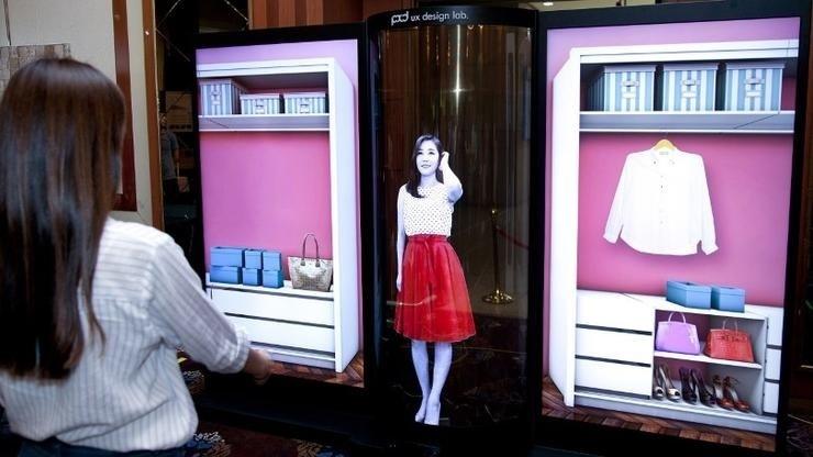 LG giới thiệu màn hình OLED 77inch trong suốt siêu linh hoạt