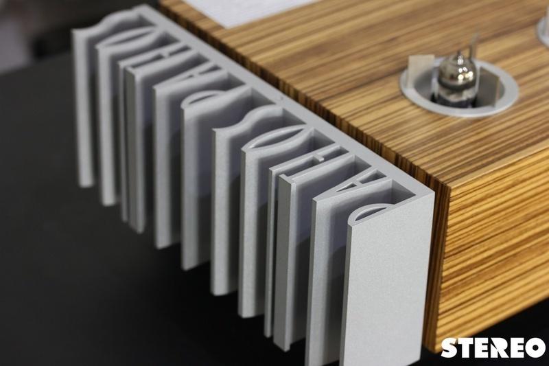 Pathos Classic Remix: chiếc ampli tích hợp hybrid độc đáo đến từ Ý