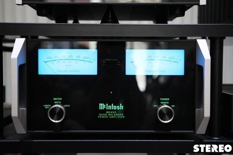 Bộ đôi McIntosh Pre C2600 & Pow MC452: đối tác xứng tầm của loa lớn