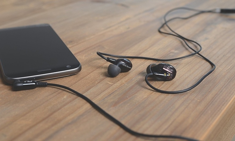 Optoma mở rộng dòng tai nghe cao cấp với Nuforce HEM Dynamic