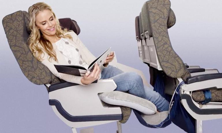 Ngồi hạng thường mà ngỡ hạng thương gia với phụ kiện máy bay Fly Legs UP
