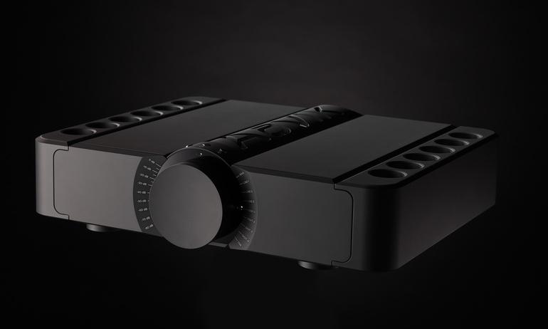 Ampli tích hợp ultra hi-end Aavik U-300: xứng danh dòng dõi Raidho Acoustics