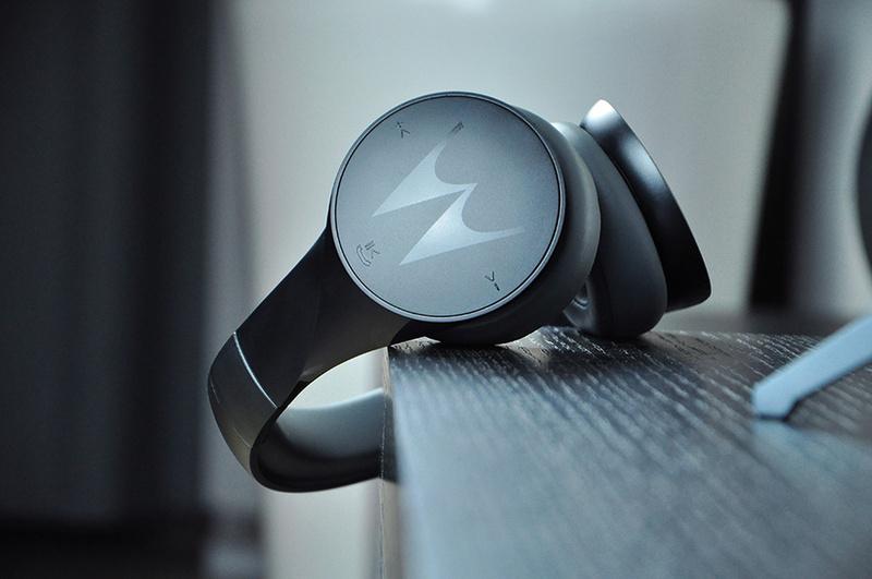 Motorola ra mắt tai nghe không dây over-ear Pulse Escape