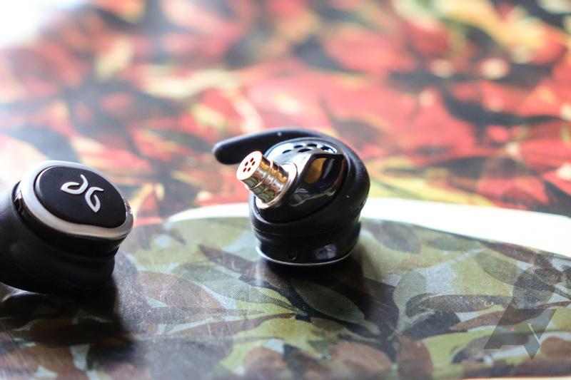 Thị trường đón nhận thêm mẫu tai nghe in-ear