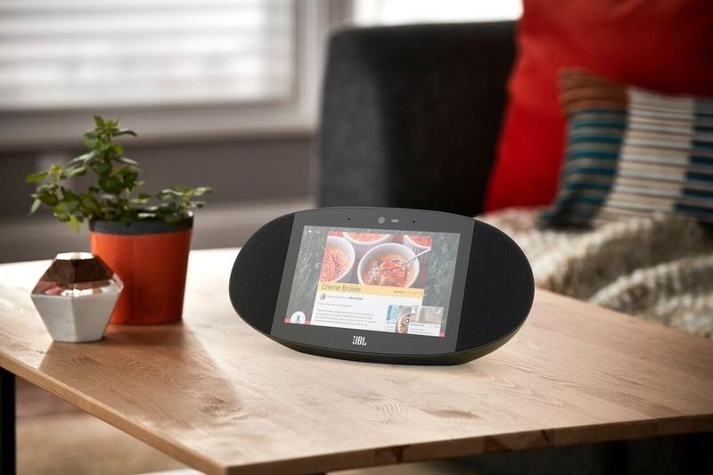 JBL Link View: Loa không dây thông minh, trang bị cả màn hình cảm ứng và điều khiển bằng giọng nói