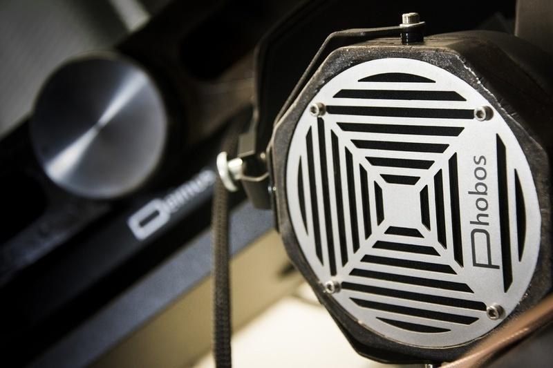 Erzetich Audio giới thiệu bộ đôi tai nghe hi-end Phobos và Mania