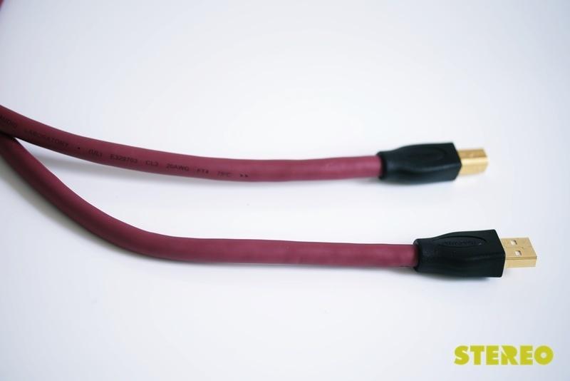 Dây USB Transparent Performance: Giá mềm, hiệu năng cao