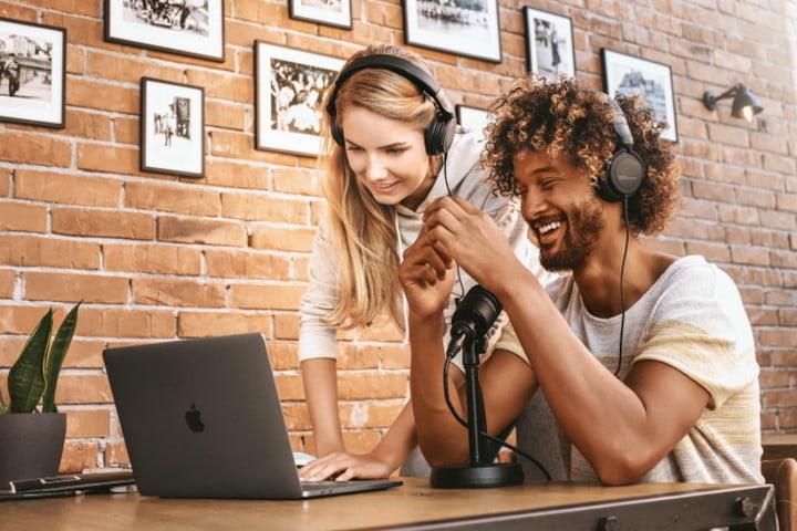 Beyerdynamic DT 240 Pro: Tai nghe full-size giá tốt dành cho cả dân chuyên lẫn không chuyên