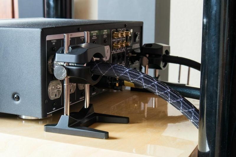 Furutech NCF Booster: Thiết bị tăng cường hiệu suất kết nối và nâng cáp âm thanh