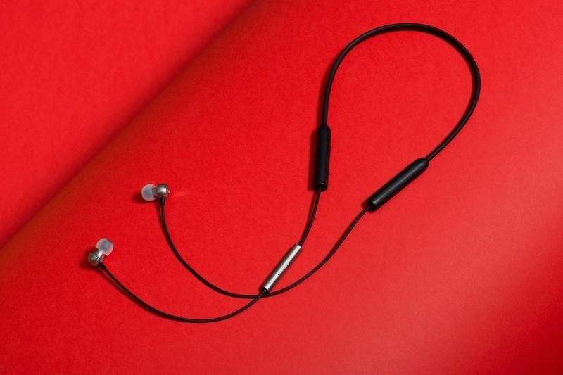 RHA trình làng dòng tai nghe không dây MA390, giá bán chỉ dưới 2 triệu đồng