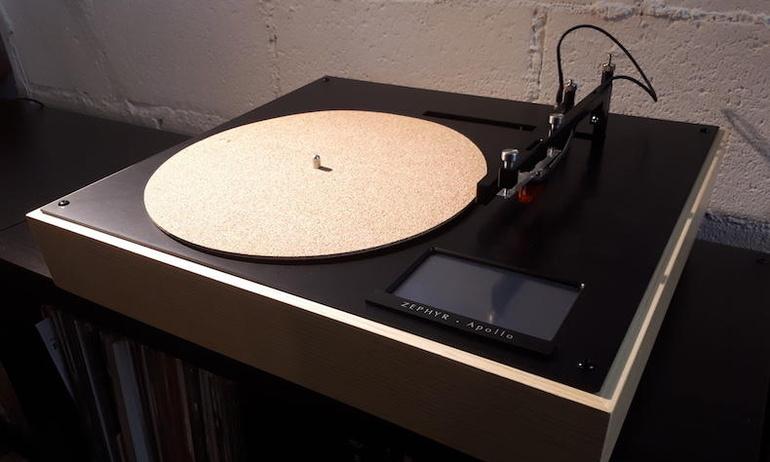 Mâm đĩa Zephyr Apollo: Tạm biệt những buổi chọn track nhạc