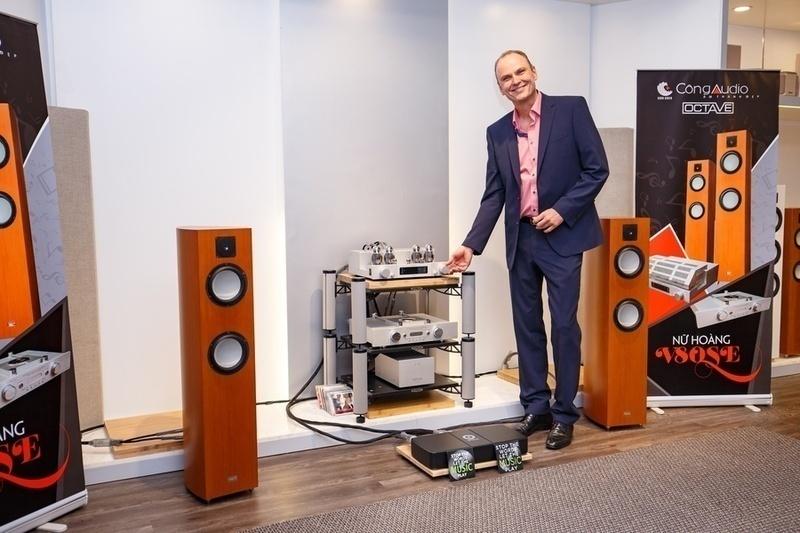 Công Audio: Chuyên gia từ OCTAVE Audio gặp gỡ và chia sẻ cùng audiophile về ampli đèn tích hợp V 80 SE