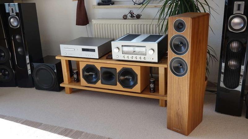 Acoustic Energy AE309: Bản nâng cấp mạnh mẽ từ AE109