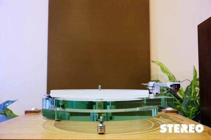 Chiêm ngưỡng vẻ tinh khôi của mâm đĩa nhựa Roksan Radius 7