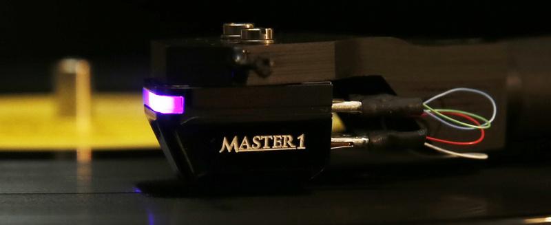 Cartridge quang học DS Master1: Bước cách mạng trong thiết kế hộp kim đĩa than