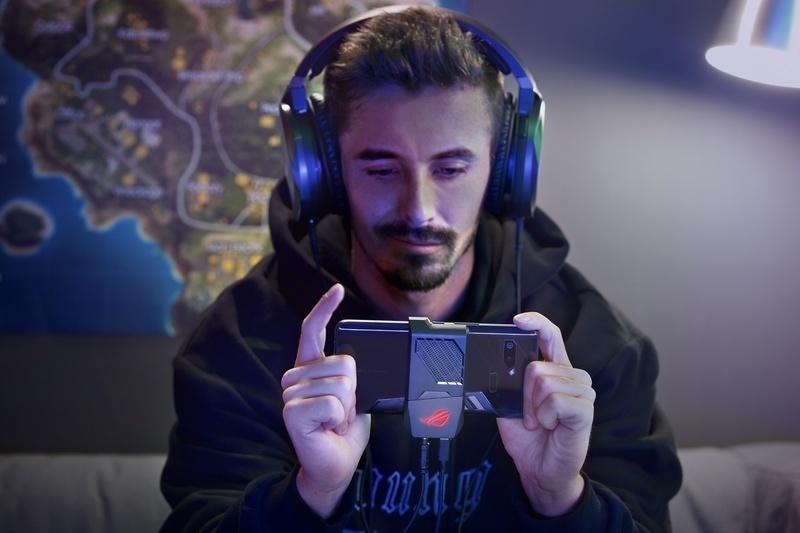 Asus chính thức ra mắt  gaming phone và dải sản phẩm mới tại sự kiện Join the Republic