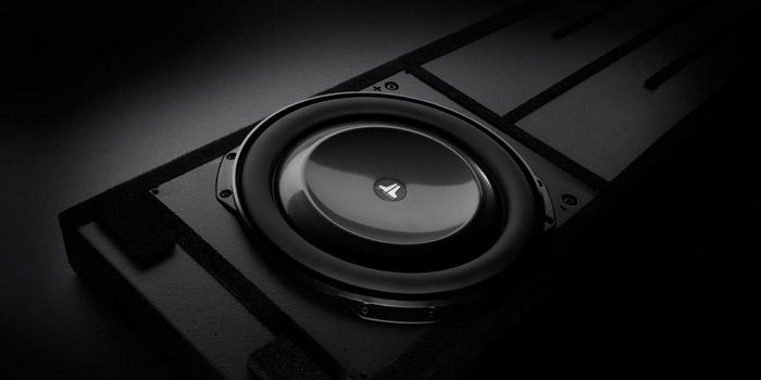 JL Audio tung ra loạt loa subwoofer âm trần, âm tường dòng Fathom