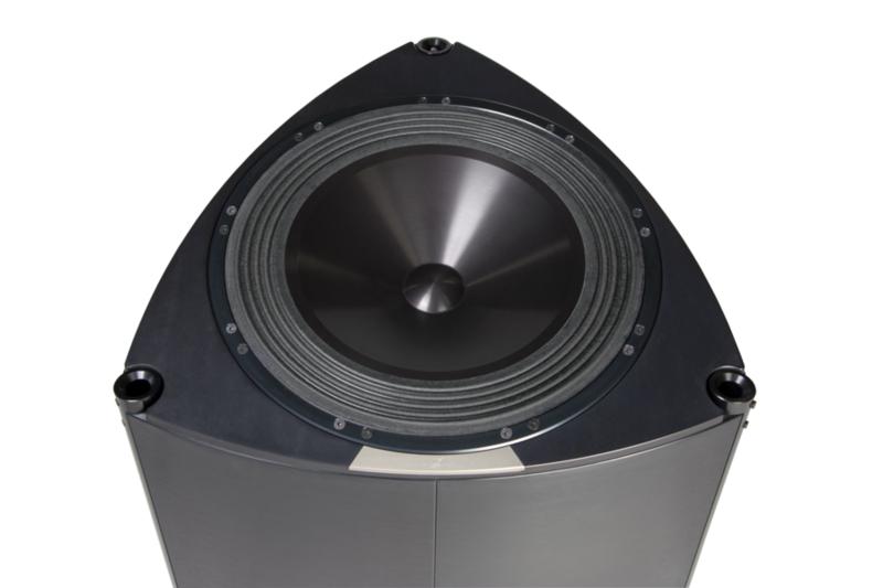 YG Acoustics trình làng loa siêu trầm InVincible Sub-Bass