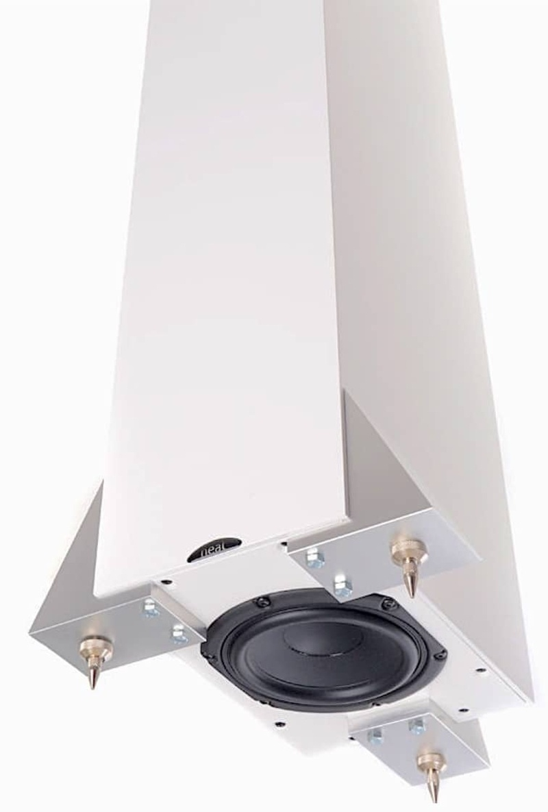 Neat Acoustics giới thiệu loa cột Ekstra