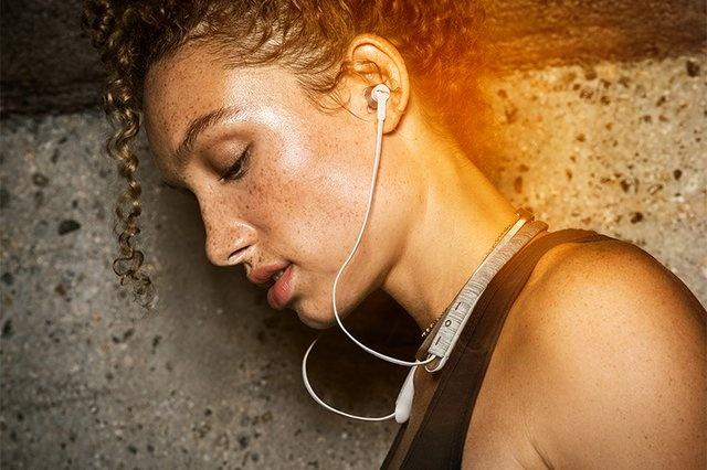 Sol Republic ra mắt tai nghe không dây neckband Shadow Fusion